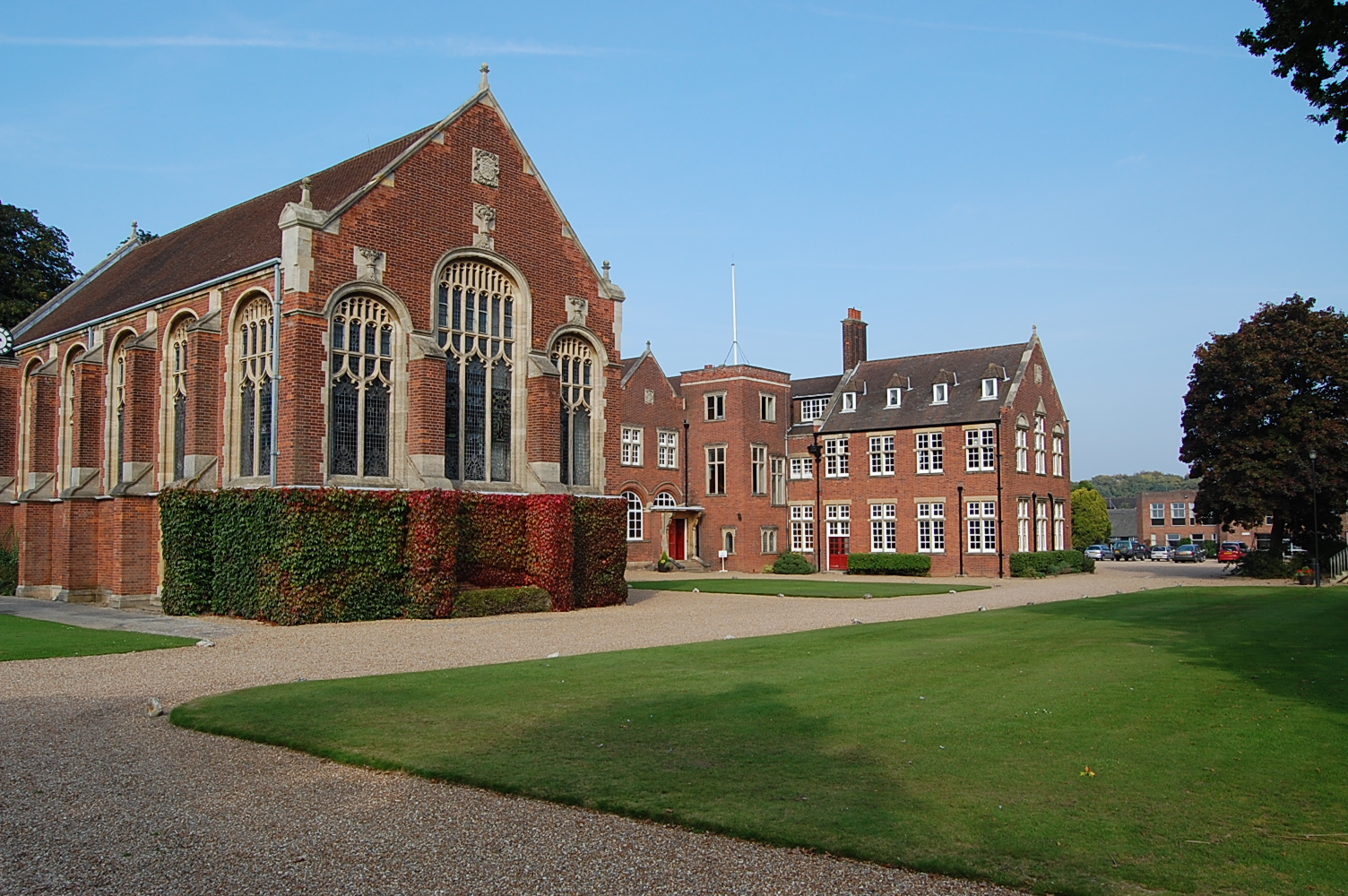 home school vs boarding school Not all therapeutic schools are boarding schools the difference between therapeutic day schools and therapeutic boarding schools as mentioned before, a student's home life becomes part of the focus at a therapeutic day school.